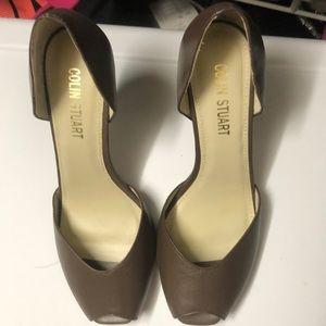 Women's peep toe dress shoes. Never worn.